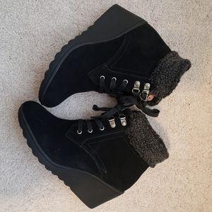 New White Mountain Boots